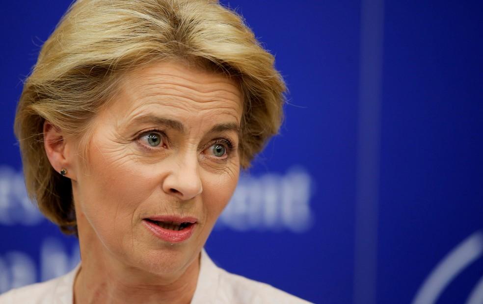 A alemã Ursula von der Leyen durante uma entrevista coletiva após ser escolhida como presidente da Comissão Europeia — Foto: Vincent Kessler/Reuters