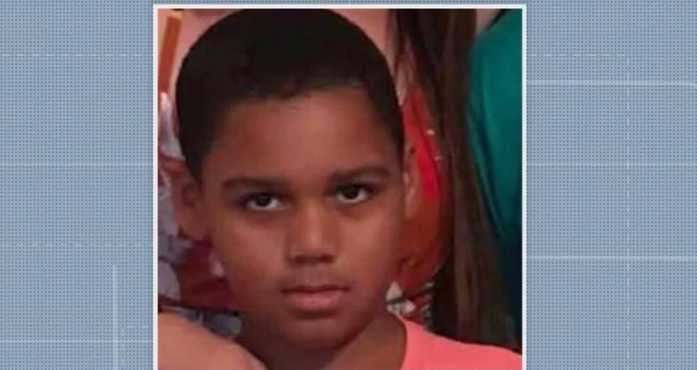 Menino de 9 anos é morto a facadas na Bahia — Foto: Reprodução / TV Santa Cruz