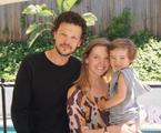 Guilherme Berenguer com a mulher e o filho  | Reprodução