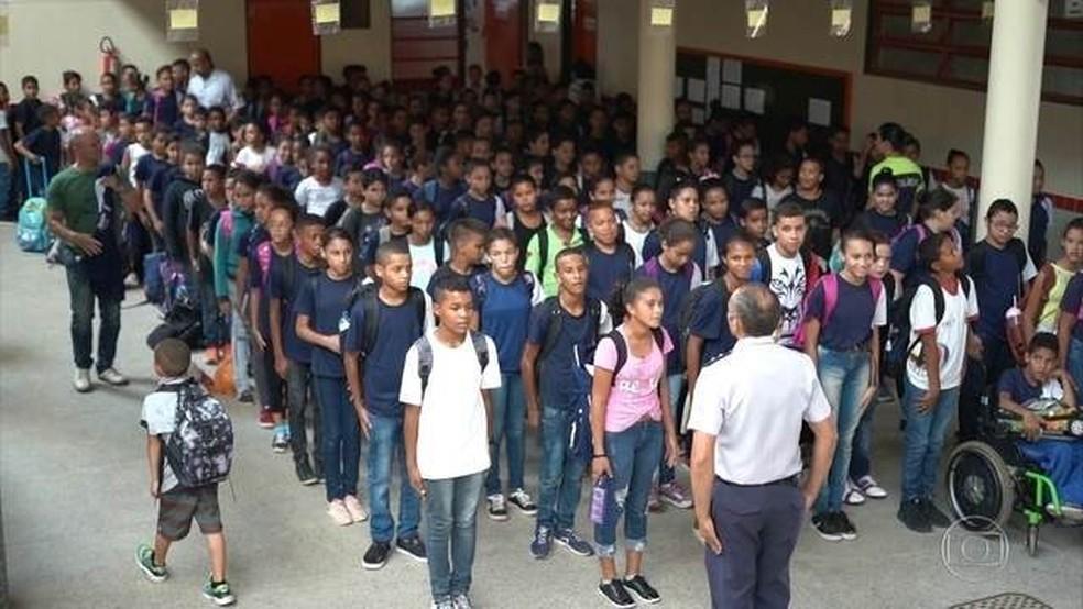 Escola militarizada no Distrito Federal — Foto: TV Globo/ Reprodução