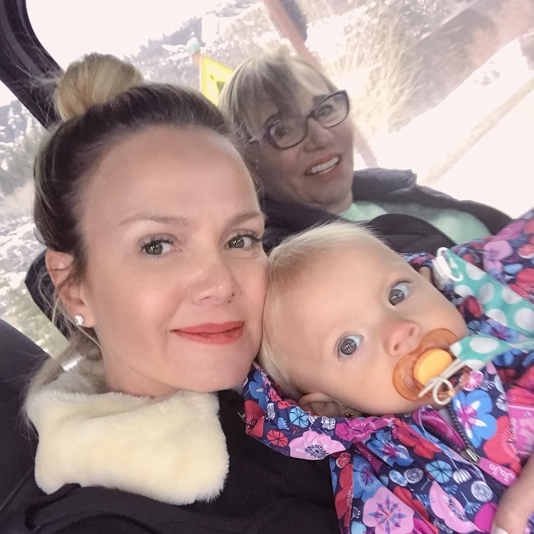 Eliana com a filha, Manuela, e a mãe, dona Eva (Foto: Reprodução/Instagram)
