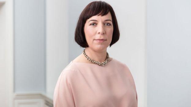 Ministra da Educação da Estônia diz que sucesso do país na área da educação se baseia em três pilares: acesso universal e gratuito, valorização da educação pela sociedade e autonomia para investimento no setor (Foto: Divulgação/Ministério da Educação da Estônia/BBC)