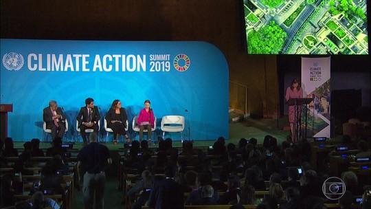 Macron lamenta ausência do Brasil em encontro sobre a Amazônia paralelo à cúpula do clima