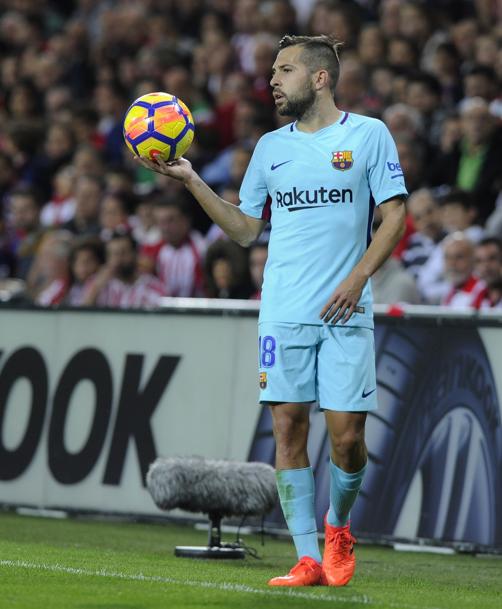 Jordi Alba comemora boa temporada pelo Barcelona (Foto: AFP)