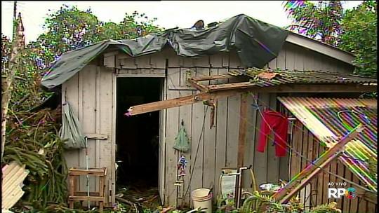 Chuva e vento fortes provocam estragos na região de Ponta Grossa