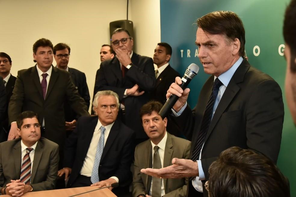 O presidente eleito Jair Bolsonaro durante reunião nesta quarta-feira (12) com dirigentes e parlamentares do DEM na sede do governo de transição — Foto: Rafael Carvalho, Governo de Transição
