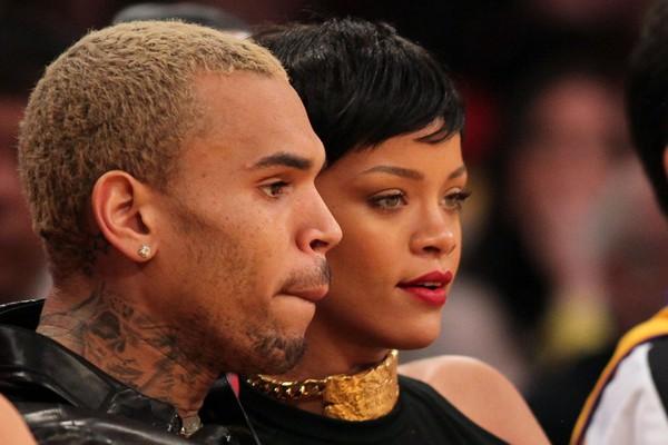 O rapper Chris Brown e a cantora Rihanna na época em que os dois ainda namoravam (Foto: Getty Images)