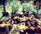 Juliana Paiva, a Lili, postou uma foto com o elenco em um momento de desconstração 'Tá acabando', escreveu | Reprodução