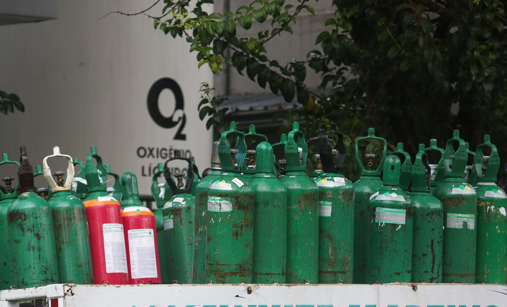 Cilindros de oxigênio — Foto: MARCELO D. SANTS/FRAMEPHOTO/ESTADÃO CONTEÚDO