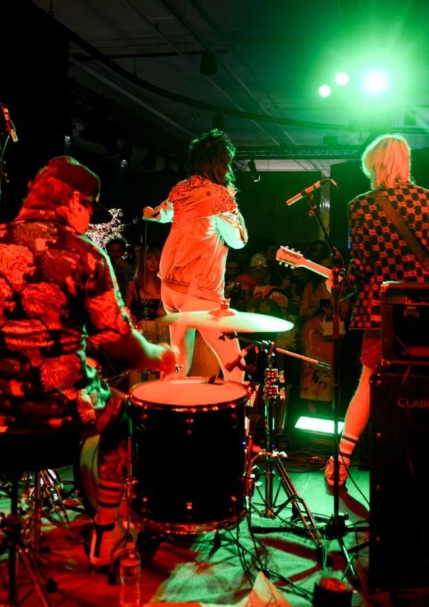 A banda local que animou a festa até o último segundo (Foto: Cortesia da BFA para GUCCI)