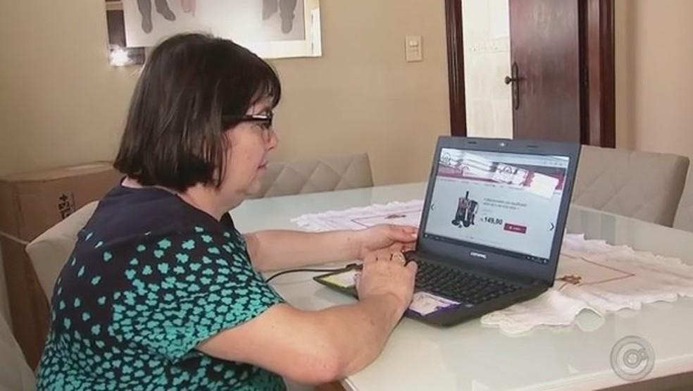 Black Friday: consumidor deve guardar todos os comprovantes da compra em caso de precisar cobrar prazos ou trocar produtosresa (Foto: Reprodução/TV Globo)