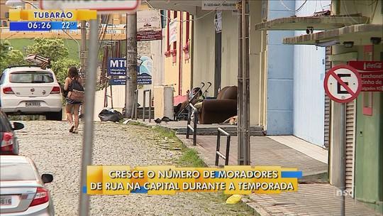 Atendimento a pessoas em situação de rua aumenta no verão em Florianópolis; veja serviços disponíveis