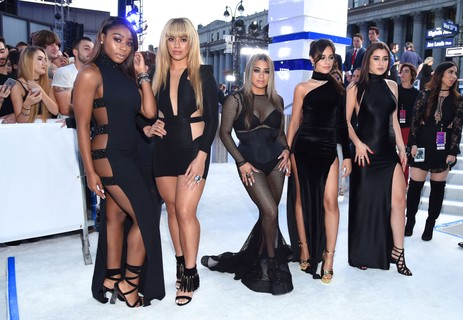 Normandi Kordei, Dinah Jane Hansen, Ally Brooke, Camila Cabello e Lauren Jauregui do Fifth Harmony