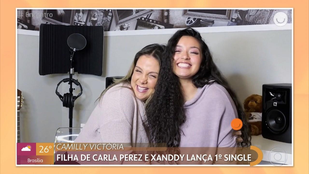 Camilly Victória, filha de Carla Perez e Xanddy lança primeira música