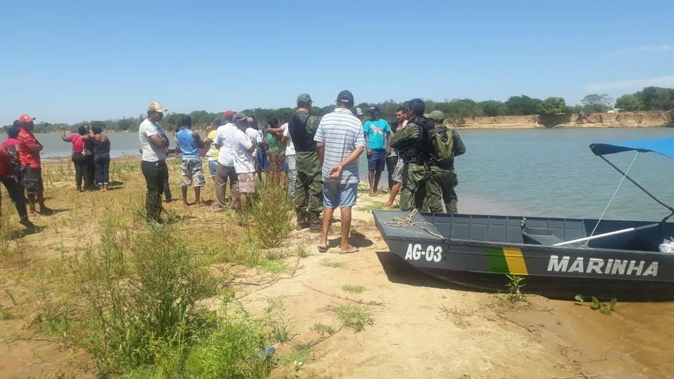 Caso ocorreu em um trecho do Rio São Francisco, na altura de Bom Jesus da Lapa, cidade do oeste da Bahia, no domingo (27).  — Foto: Bom Jesus da Lapa Notícias