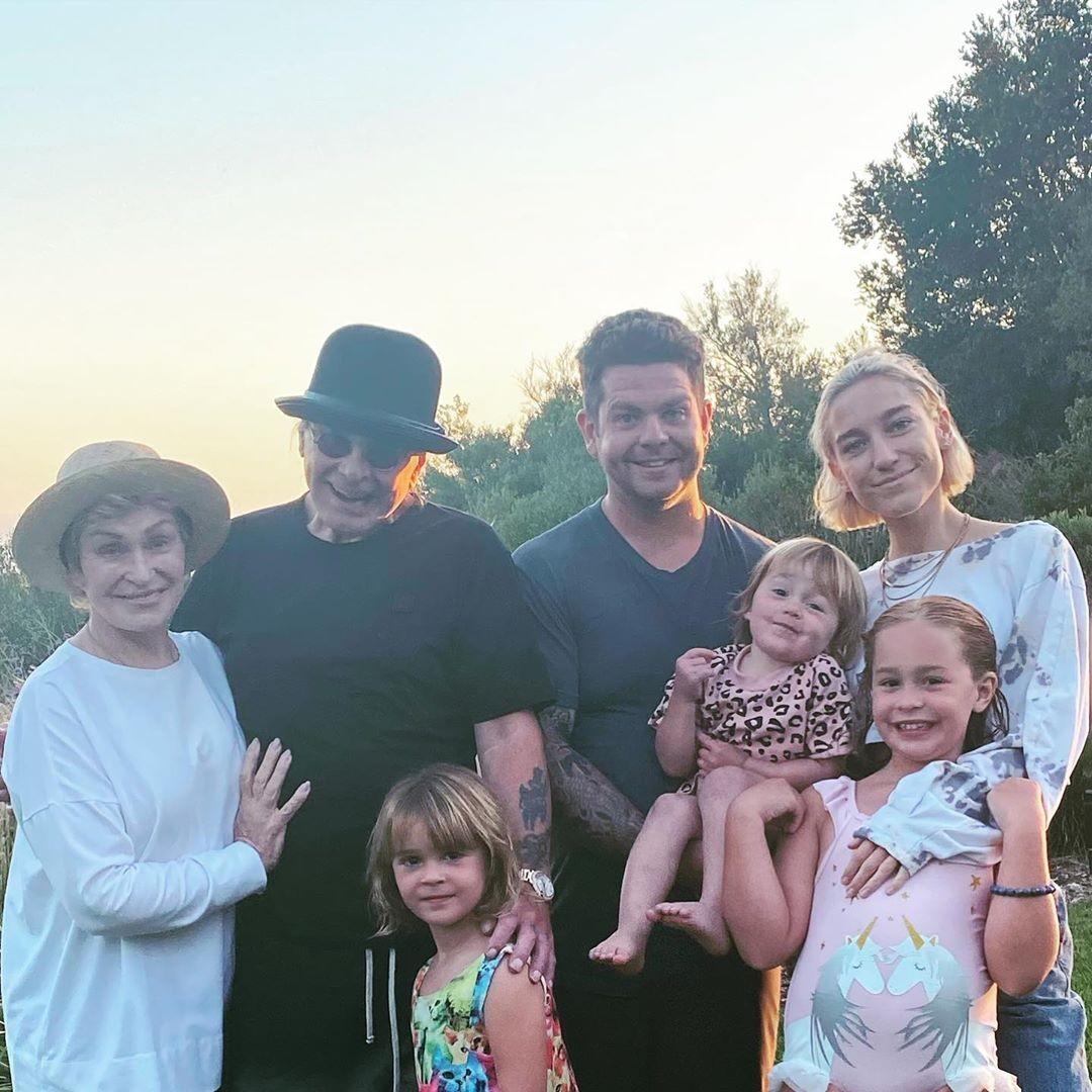 Ozzy Osbourne com a família (Foto: Instagram)