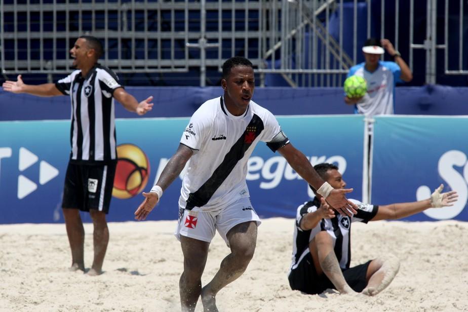 4bfdd1a973850 ... Vasco e Flamengo vencem e fazem a final do Campeonato Brasileiro de  futebol de areia