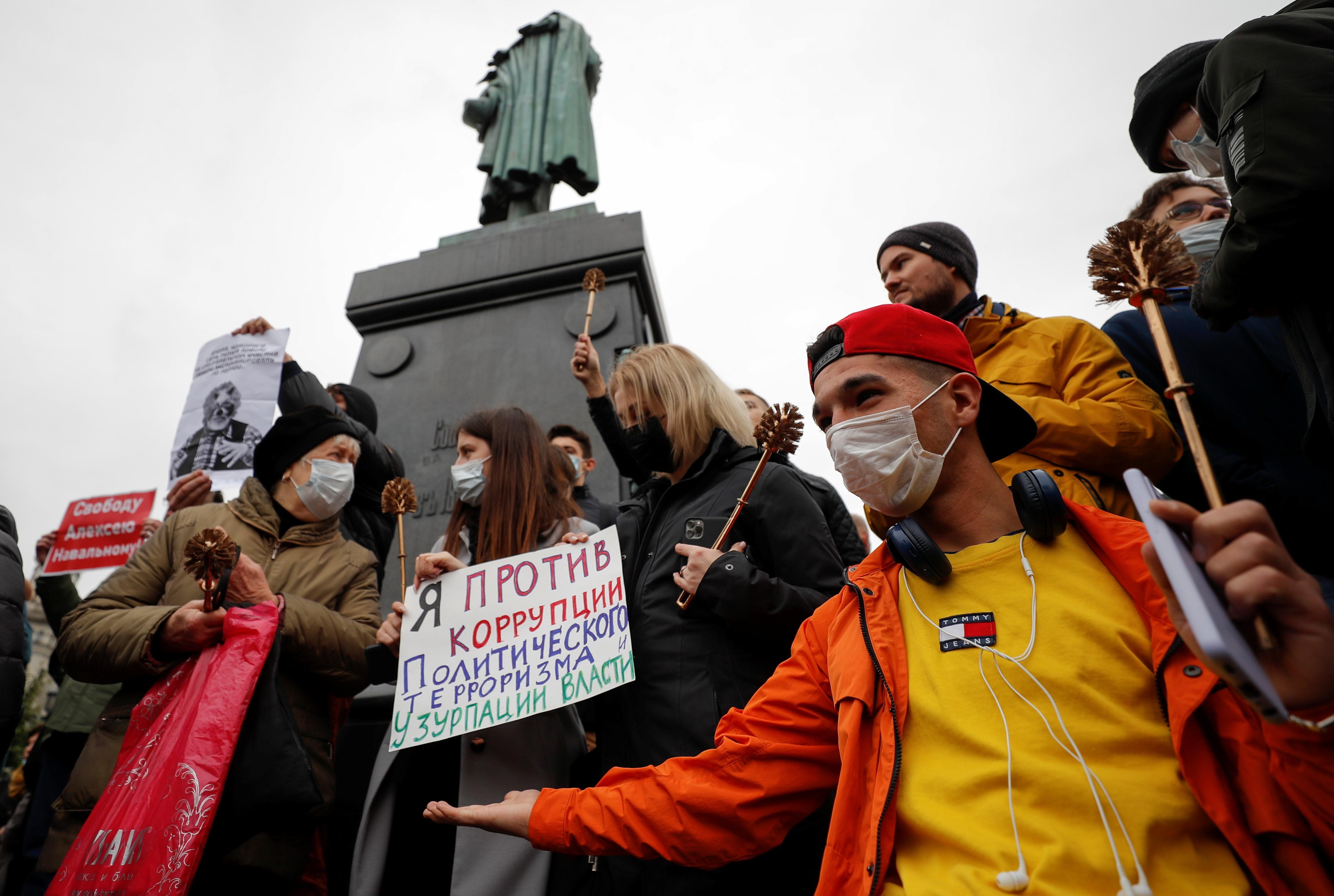 Oposição protesta em Moscou e denuncia fraude nas eleições parlamentares