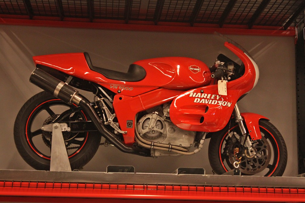 Harley-Davidson VR 1000 foi tentativa da marca no munda das esportivas (Foto: Rafael Miotto/G1)