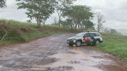 Suspeito de bloquear estrada para roubar motoristas morre em tiroteio com a PM em Ribeirão Preto