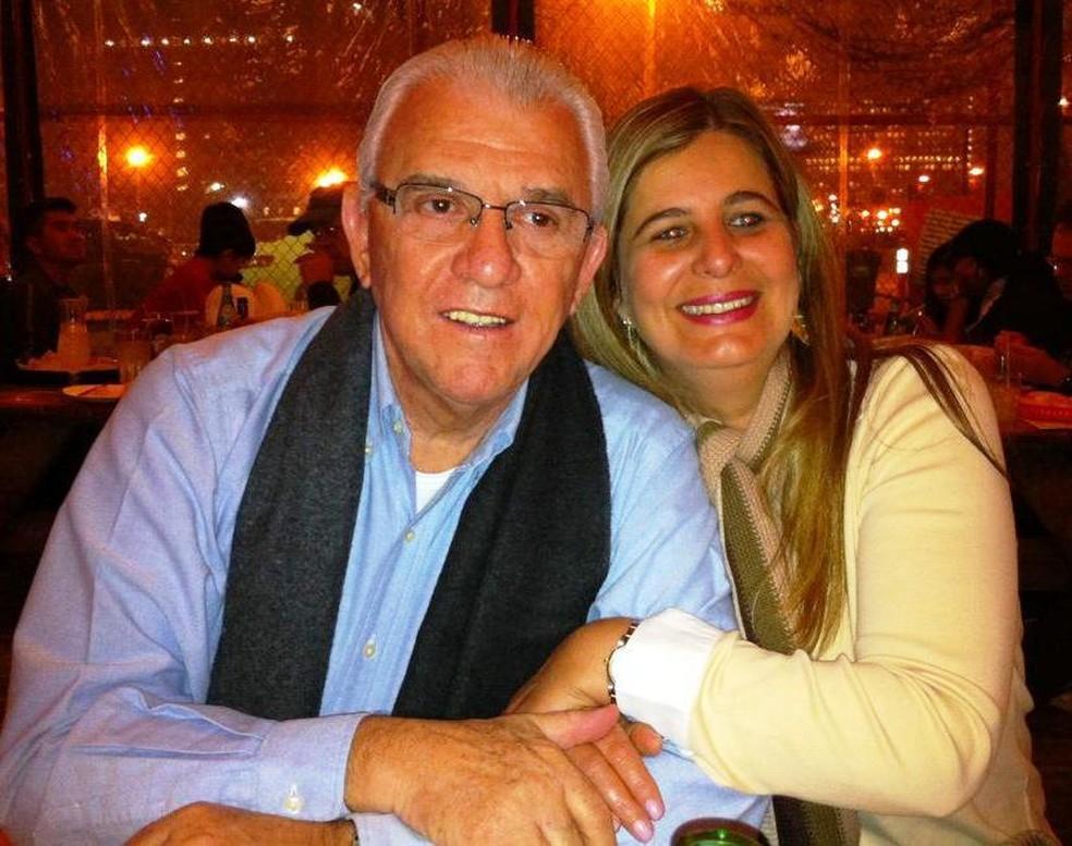 Moreira Mendes e a esposa Cristina (Foto: Facebook/Reprodução)