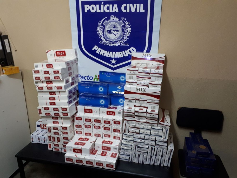Material apreendido foi levado à Delegacia de Polícia Civil (Foto: Divulgação/Polícia Civil)