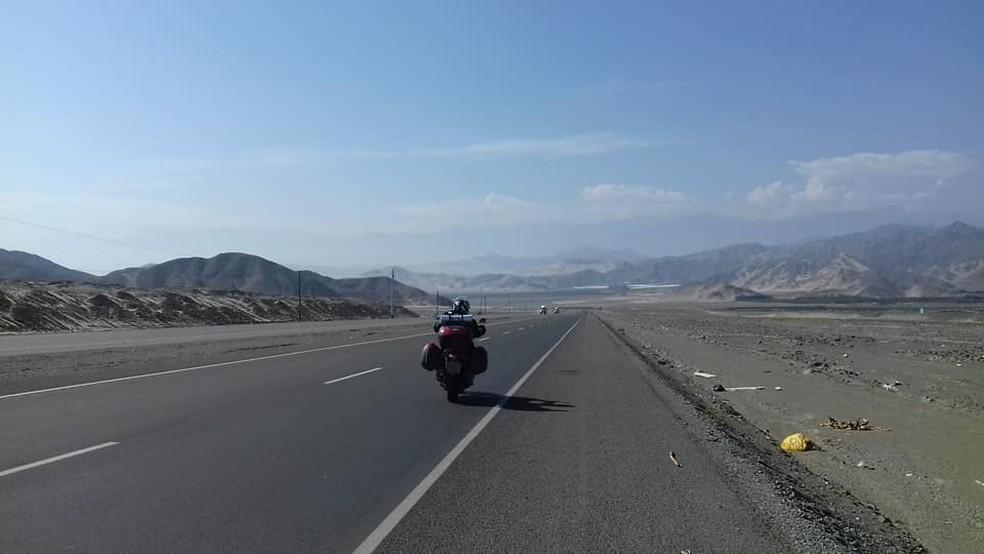 Natalente embarca nesta segunda (15) para continuar volta ao mundo em cima de uma moto  (Foto: Divulgação/Facebook)