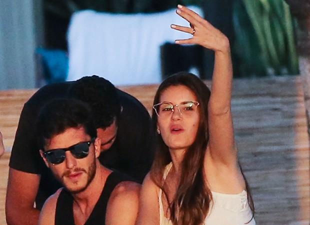 Klebber Toledo e Camila Queiroz curtem primeiro dia de casados (Foto: Brazil News / Manuela Scarpa e Iwi Onodera)