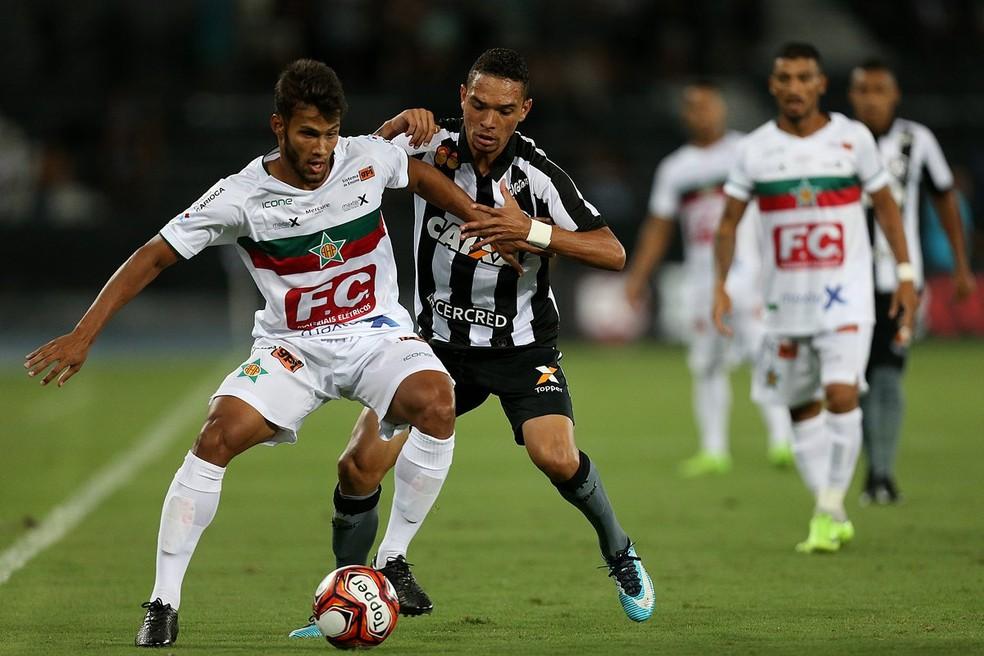 Luiz Fernando em sua estreia pelo Botafogo (Foto: Vitor Silva/SSPress/Botafogo)