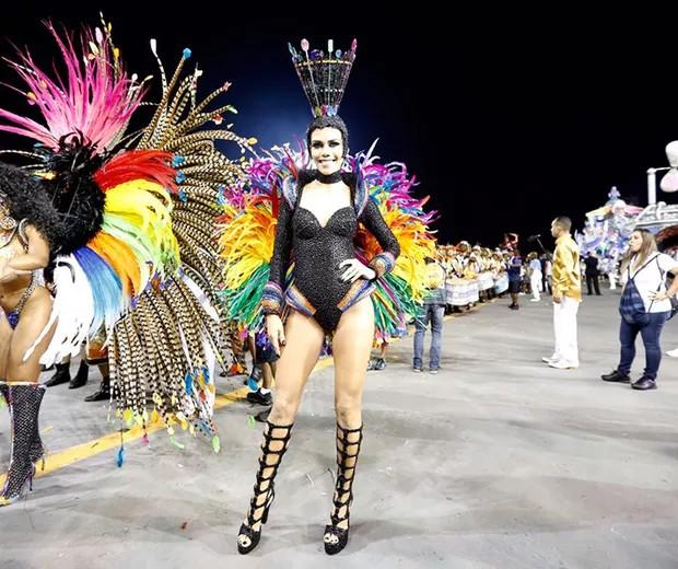 Daniela Albuquerque no Carnaval 2017 (Foto: Edu Saraiva/Editora Globo)