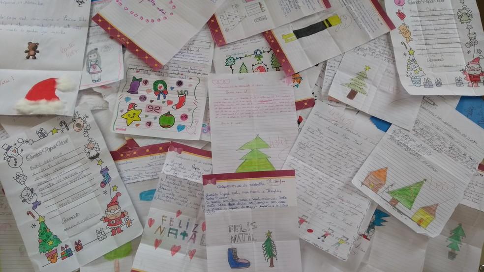 -  Cartinhas da Campanha do Papai Noel dos Correios podem ser adotadas até sexta, 8  Foto: Diêgo Holanda/G1