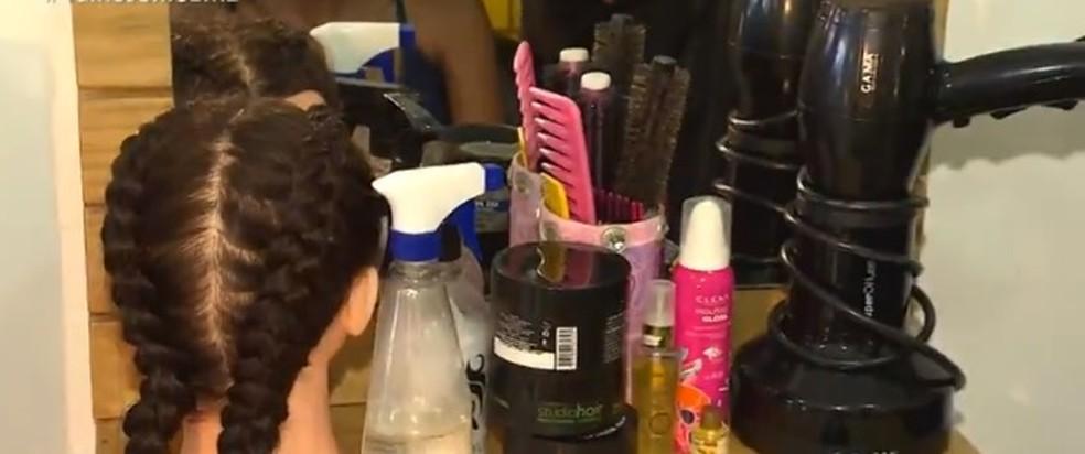 Senac tem vagas em cursos voltados para profissionais de beleza — Foto: Reprodução/ TV Bahia