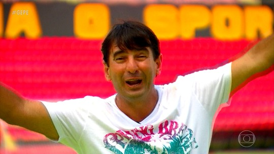"""Ex-volante Dario lembra comemoração """"eu tô maluco"""" após gol em 1997"""