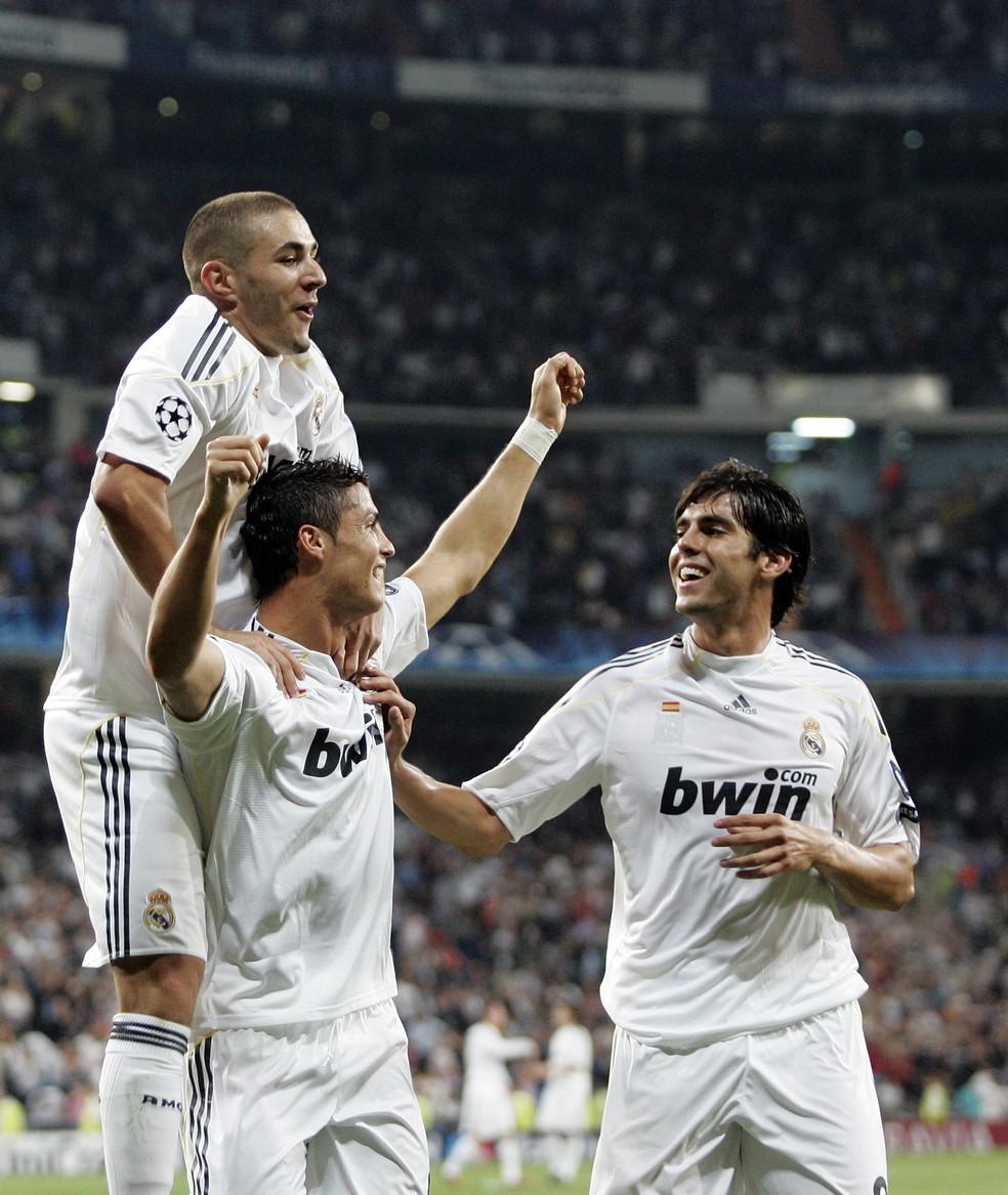 Benzema, Cristiano Ronaldo e Kaká chegaram juntos ao Real Madrid em 2009 — Foto: Getty Images