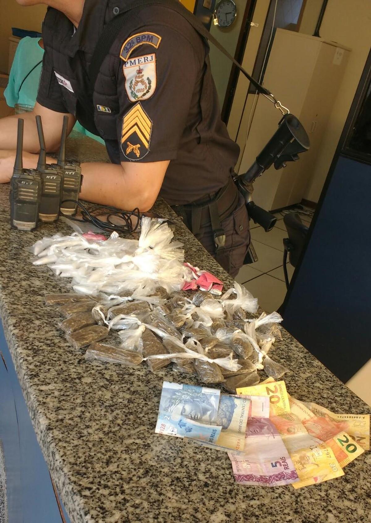Homem é detido com maconha e cocaína em Conceição de Macabu, no RJ