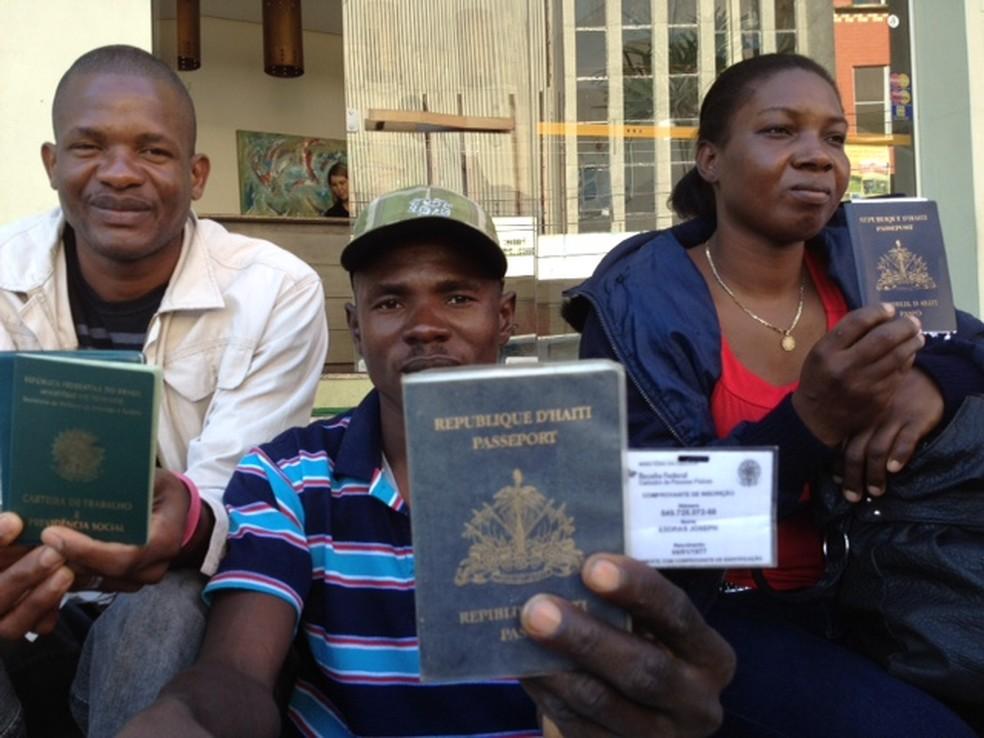 Haitianos (Foto: Roberta Salinet/RBS TV)