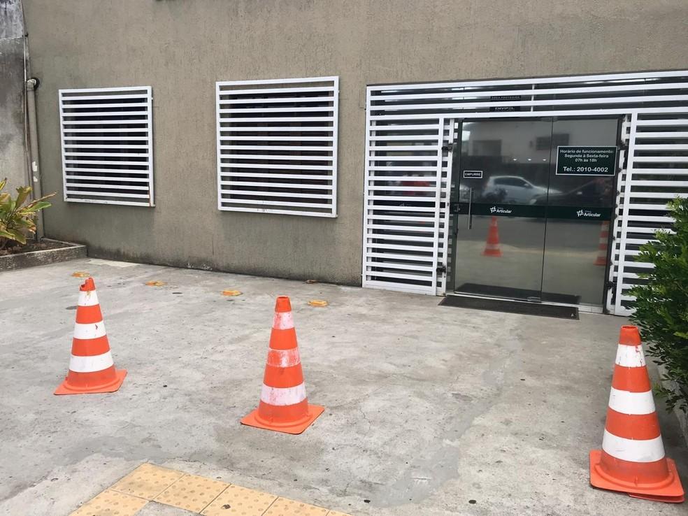 Clínica médica na Rua Professor Clementino Câmara, no Barro Vermelho — Foto: Kleber Teixeira/Inter TV Cabugi