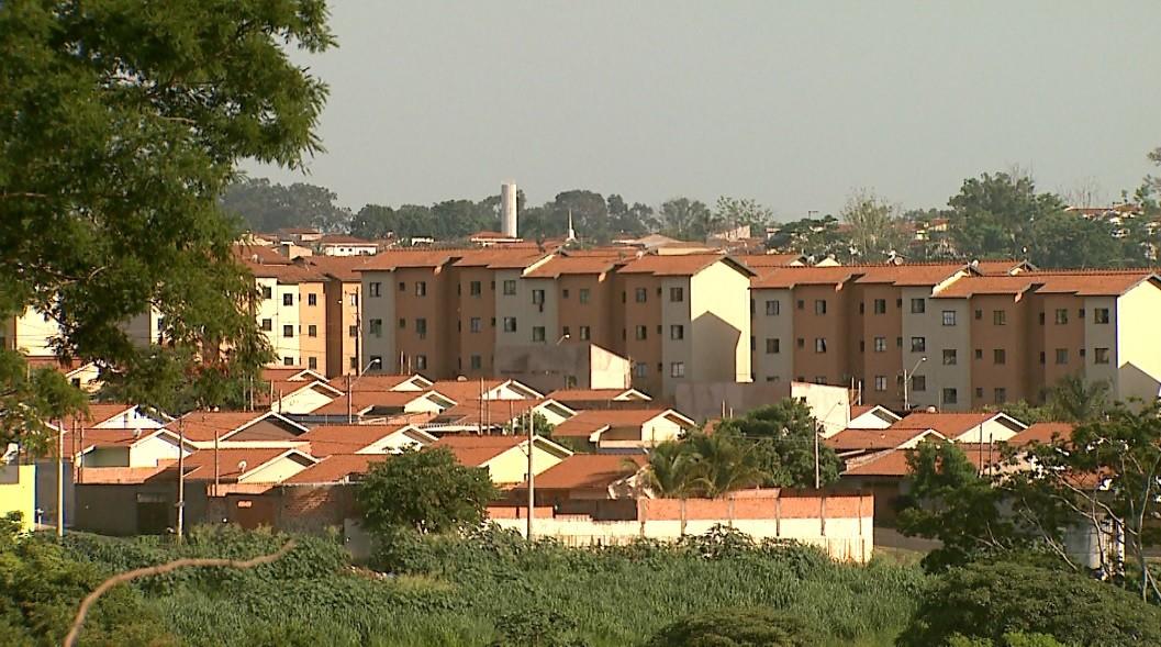 Pela 2ª vez, famílias reclamam de problemas em conjunto habitacional em Ribeirão Preto  - Noticias