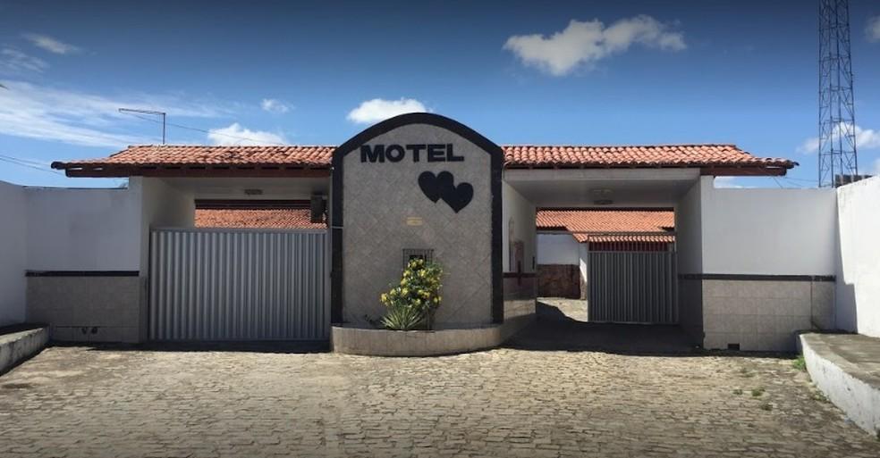 Mulher foi encontrada morta dentro do Motel Dois Corações, em São Gonçalo do Amarante — Foto: Google