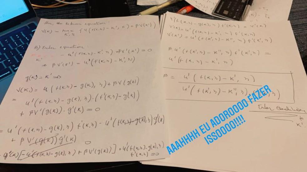 Gil do Vigor mostra equação — Foto: Reprodução/Instagram