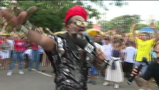 """Carlinhos Brown traz 'Bloco du Brasil"""" para SP"""
