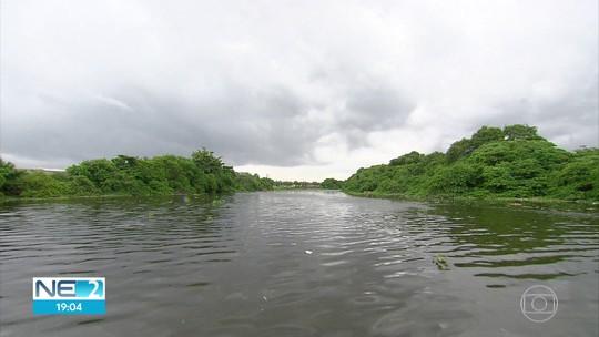 Projeto de navegabilidade para o Rio Capibaribe com barco movido a energia solar é apresentado no Recife