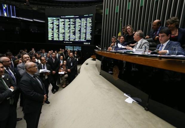 Sessão do Congresso Nacional para votar a meta fiscal (Foto: Fabio Rodrigues Pozzebom/Agência Brasil)