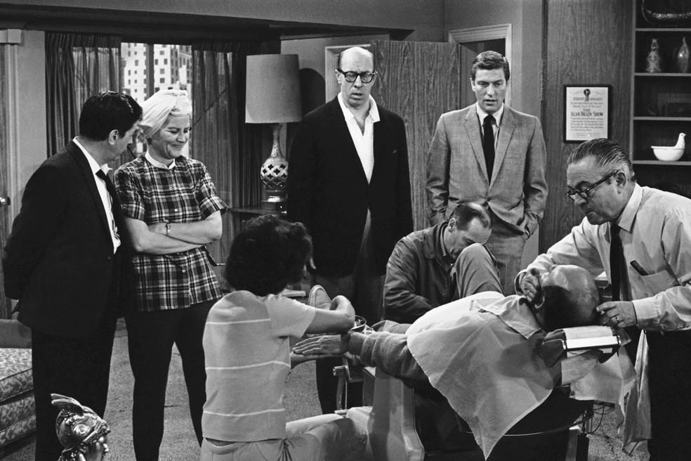 """Rose Marie em cena do sitcom """"The Dick Van Dyke Show, (Foto: AP Photo/David F. Smith, File)"""