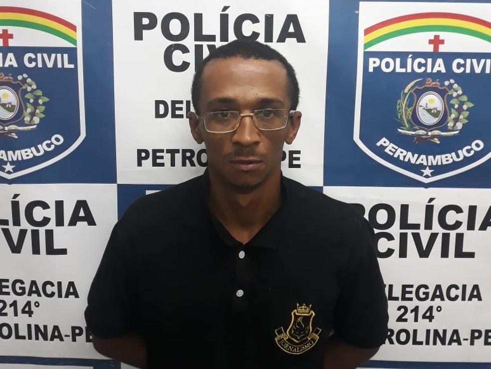 Homem é preso suspeito de atear fogo na Escola de Referência em Ensino Médio Otacílio Nunes de Souza em Petrolina — Foto: Polícia Civil