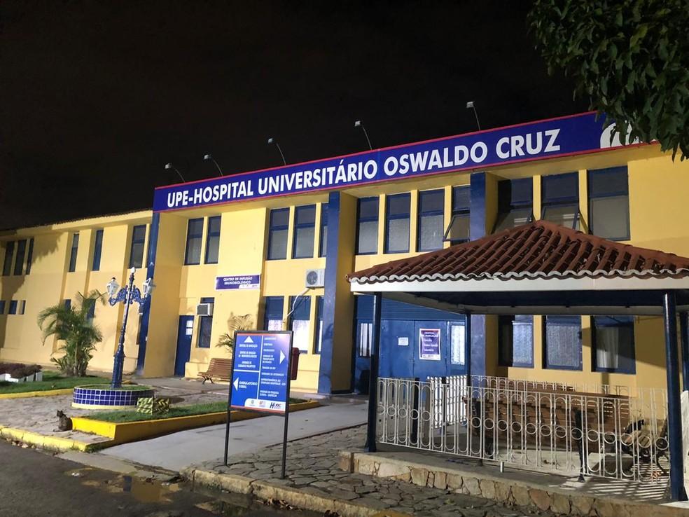Cinco pacientes estão internados no Hospital Universitário Oswaldo Cruz — Foto: Pedro Alves/G1