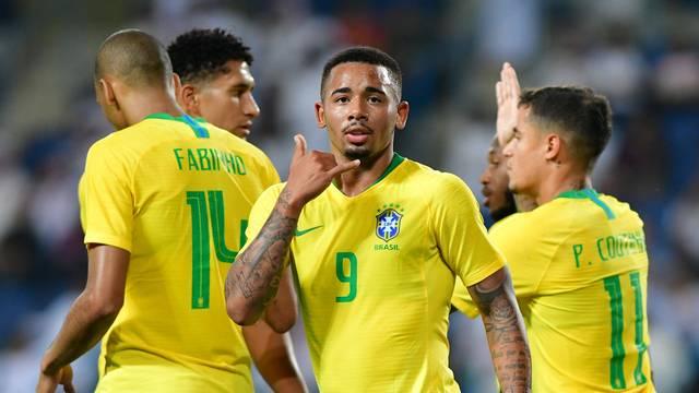 Gabriel Jesus comemora gol da Seleção