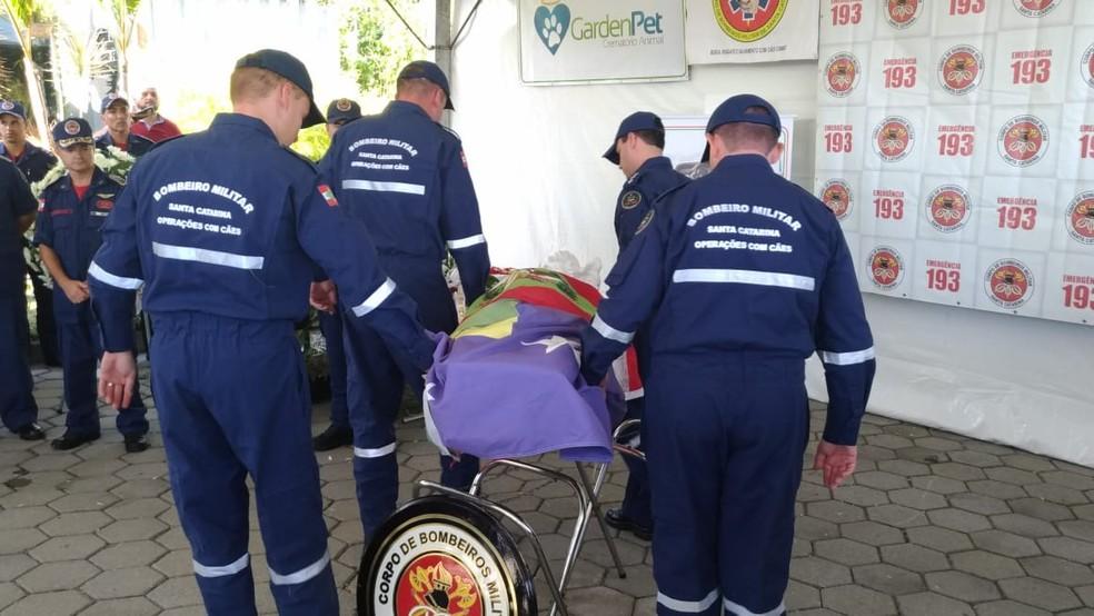 Cerimônia ocorreu em São José na manhã desta segunda-feira — Foto: Corpo de Bombeiros/ Divulgação