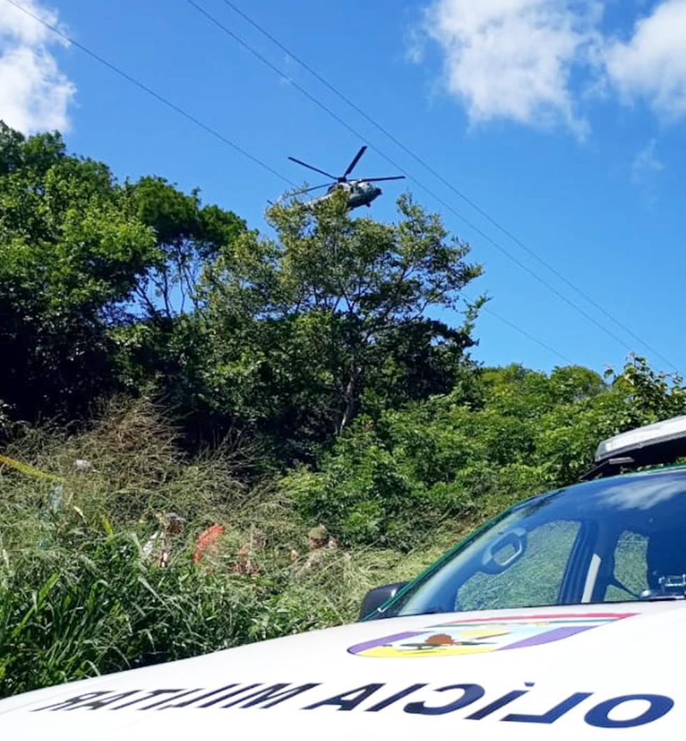 Helicóptero da FAB auxilia nas buscas  — Foto: PMRN/Divulgação