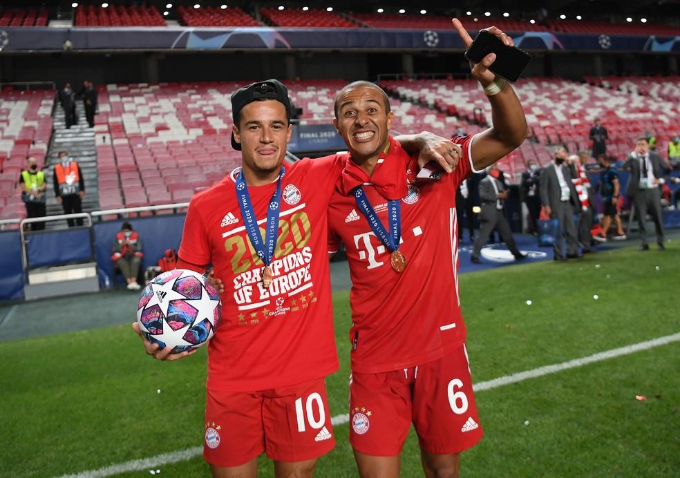 Philippe Coutinho e Thiago Alcântara foram campeões da Champions pelo Bayern — Foto: Getty Images